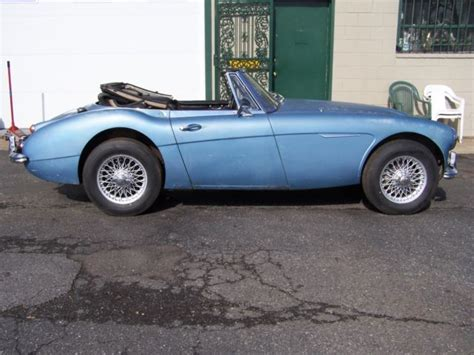 seller  classic cars  austin healey  silver