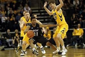 Hawkeyes, Marble start fast, drub Abilene Christian : Iowa ...