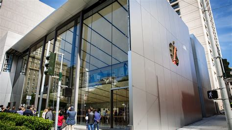 How Apple's New Store Is Selling The Latest Must-have