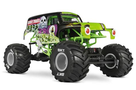 monster jam rc trucks axial introduces smt10 grave digger video rc car action
