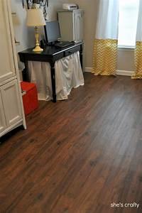 Linoleum Imitation Parquet : she 39 s crafty vinyl plank flooring aka fake wood floors ~ Premium-room.com Idées de Décoration