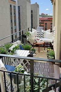 1001 unglaubliche balkon ideen zur inspiration With balkon teppich mit tapeten tisch