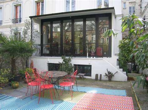 chambre dans veranda 17ème maison 19ème avec jardin grand salon ouvert sur