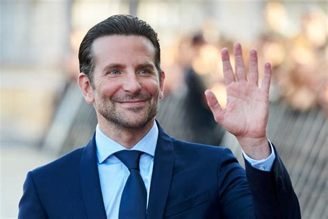 Bradley Cooper Given Peta Award For Casting His Dog In 'a Star Is Born