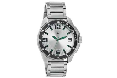 Fastrack Offers Upto 50% Off On Watches, Bags, Belts And Wallets