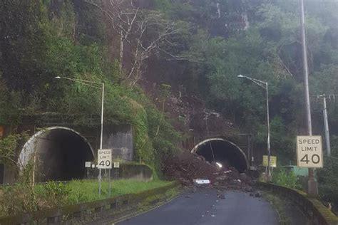 town bound pali highway traffic   contraflowed