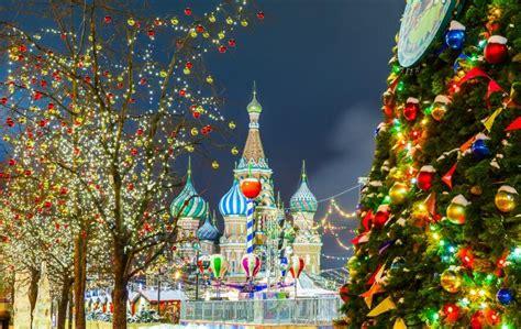 winter romance   year fun   russian capitals