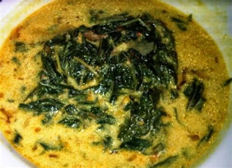 Kuah yang lezat dan gurih menciptakan resep sayur tahu santan kuah kuning, meskipun sederhana dapat menjadi hidangan hidangan rumahan yang istimewa. Resep Sayur Daun Singkong Bumbu Kuning - Lumbung Resep