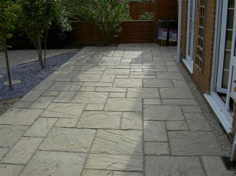 Garten Pflastern Ideen by Paving A Patio Paving Patio Design Garden Paver Patio
