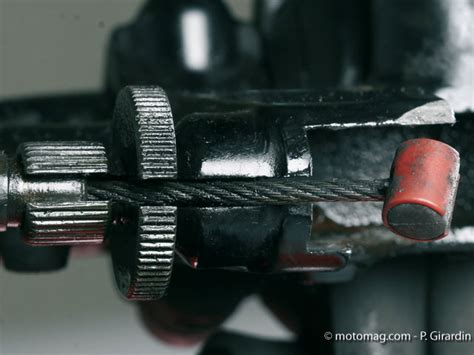 changer un levier apr 232 s une chute de moto moto magazine leader de l actualit 233 de la moto et