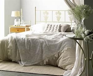 Tete De Lit Cloutée : t te de lit t tes de lit en bois massif m tal bambou ~ Teatrodelosmanantiales.com Idées de Décoration