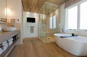 Badezimmer Beleuchtung Wand : waschtisch aus holz f r mehr gem tlichkeit im bad ~ Michelbontemps.com Haus und Dekorationen