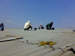 Seng merupakan salah satu material bangunan yang banyak digunakan untuk atap rumah. Menambal Seng Bocor Pake Jurus Jitu   Tabloid Rumah Idaman