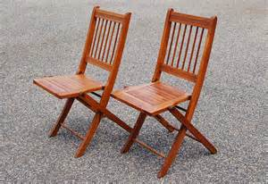 2 folding wood chairs pair of wood slat folding chairs dowel