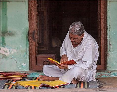 03  Lesende Menschen Bilder & Fotos