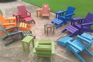 catch clean pallets and make a pallet adirondack chair