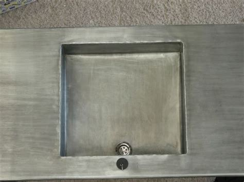 cuisine en zinc cuisine en zinc plan de travail en zinc avec évier en zinc