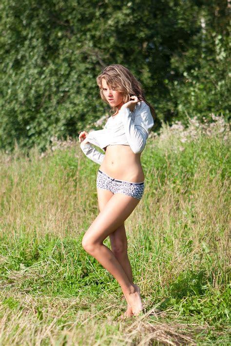14yearold model reignites underage catwalk controversy jpg 1067x1600
