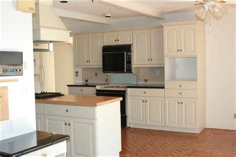 cuisine couleur creme idées pour les armoires de cuisine à la crème design