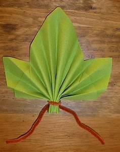 Pliage De Serviette En Papier Facile : pliage serviette papier feuille table de cuisine ~ Melissatoandfro.com Idées de Décoration