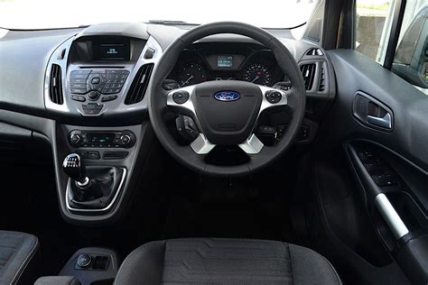 ford tourneo connect specs