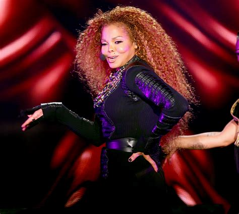 Janet Jackson Shows Off Slim Body In First Post Baby Show