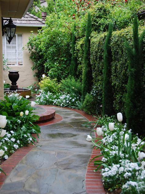 curved garden path the beauty of the garden path 112 exciting design ideas