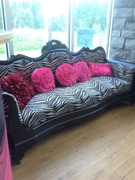 Zebra Black And White Furniture Couch Vintage Waiting