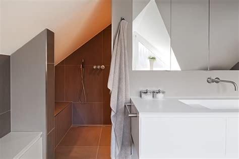 kleine bäder lösungen begehbare dusche dachschr 228 ge kleine begehbare dusche dachschr ge dachschr ge ideen begehbare