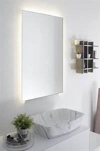 miroir salle de bain lumineux en 55 designs super modernes With salle de bain design avec vasque en marbre blanc