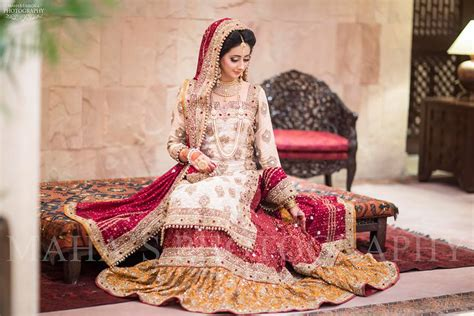 Wedding Dresses Pakistani : 15 Magnificent Bridal Dresses You Never Seen Before