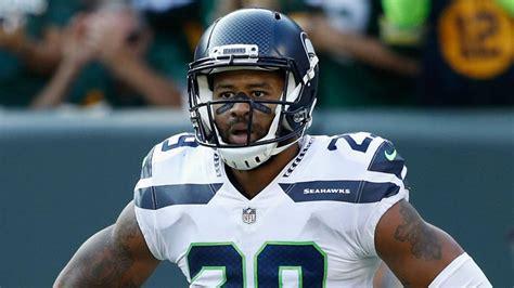 earl thomas injury update seahawks star suffers broken