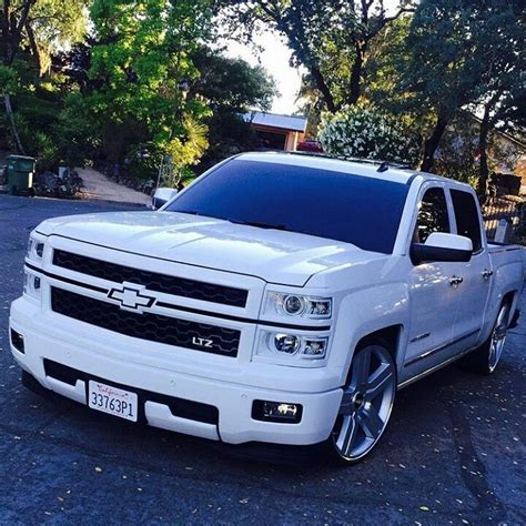 Dropped Chevy Truck Wallpaper by 634 Best Images About Lifted Diesel Trucks On