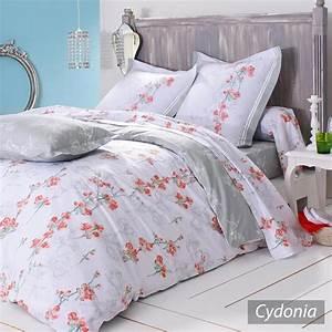 Parure de lit notre selection pour une chambre parfaite for Chambre bébé design avec couette fleurie