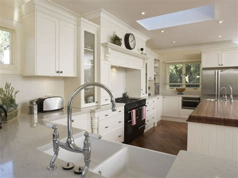 Antique White Kitchen Cabinets Pictures
