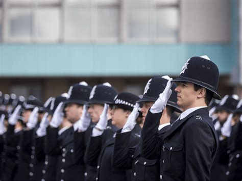 London Police Boss Denies 'No-Go Areas' After 'Regular ...