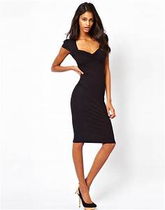 object moved With asos robe noire