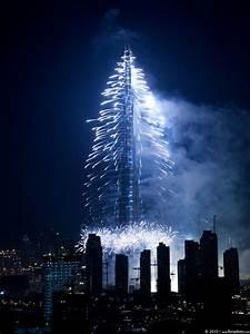 Dubai burj khalifa 828 m 27165 ft pinnacle 162 for Burj al khalifa how many floors