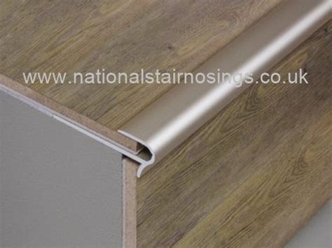 Tile Stair Nosing Uk by 25 Best Ideas About Laminate Stairs On Carpet