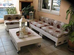 Sofa & Coffee Table Made From Recycled Pallets • 1001 Pallets
