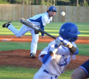 Prep Baseball: Curry keeps playoff hopes alive   Daily ...