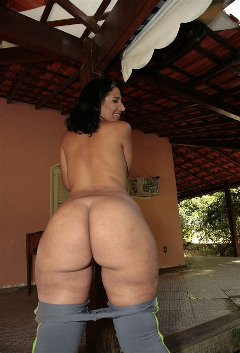 In Gallery Milf With Big Hips And Butt Picture Uploaded By Reblok On