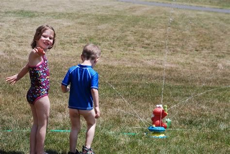 Busy Lee Family: Sprinkler Fun!