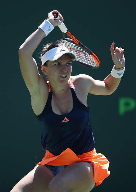 Top-ranked Simona Halep wins tough 3-setter at Miami Open