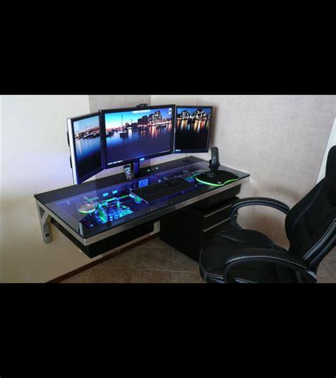 cet ordinateur est int 233 gr 233 dans un bureau
