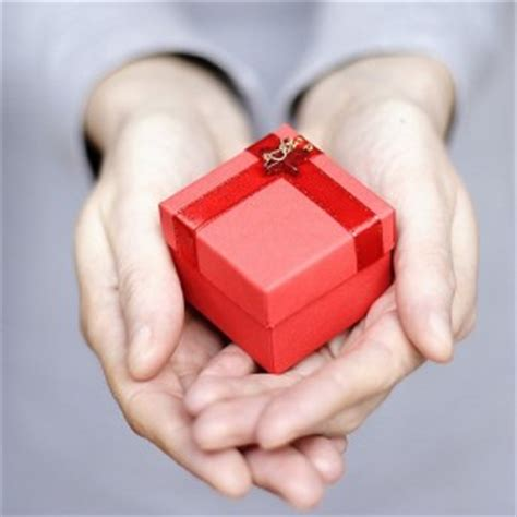 best christmas gifts for an engaged couple 10 awesome gifts for married couples