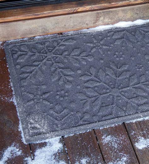 snowflake doormat waterhog snowflake doormat 2 x 3 waterhog 174 doormats
