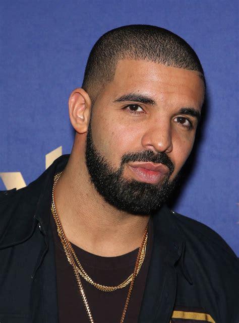Drake kanye west reportedly helping drake write  love song 813 x 1100 · jpeg