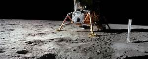 Spaceship on the Moon - Peekaboo Class