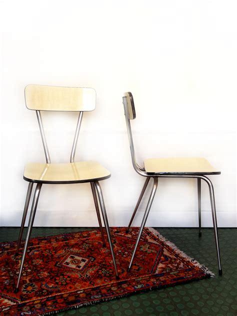 chaise en formica 2 chaises en formica vintage brocnshop